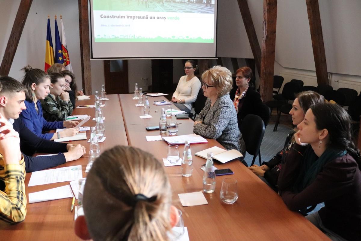 Primarul Astrid Fodor s-a întâlnit cu reprezentanții Fridays for Future