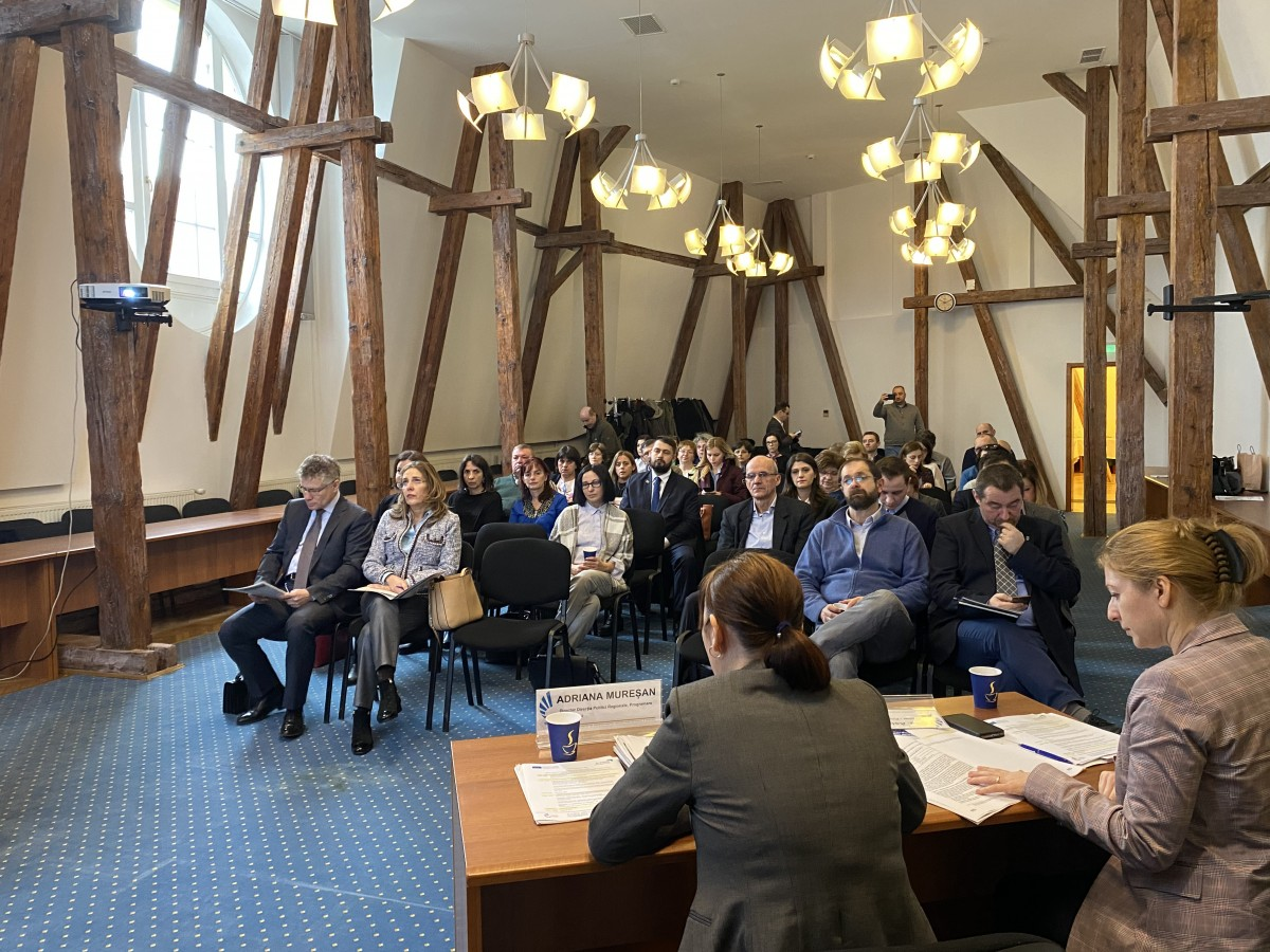 Primăria Sibiu a găzduit o dezbatere pe tema dezvoltării urbane șiteritoriale a Regiunii Centru