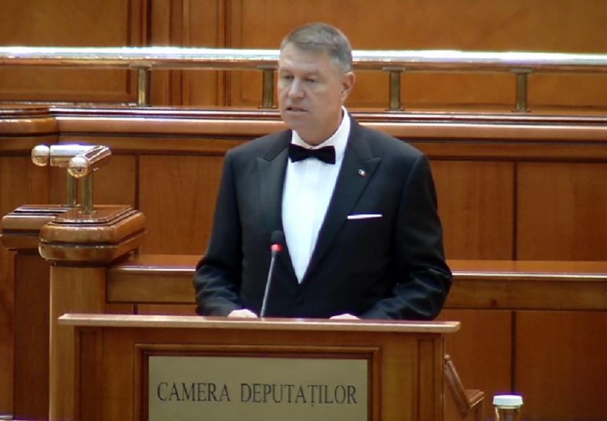 """Klaus Iohannis a depus jurământul. """"Preiau astăzi cu multă emoţie al doilea mandat de preşedinte al României"""""""