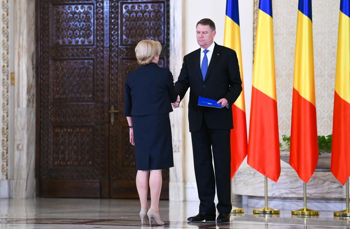 Klaus Iohannis, despre participarea la dezbateri cuVioricaDăncilă