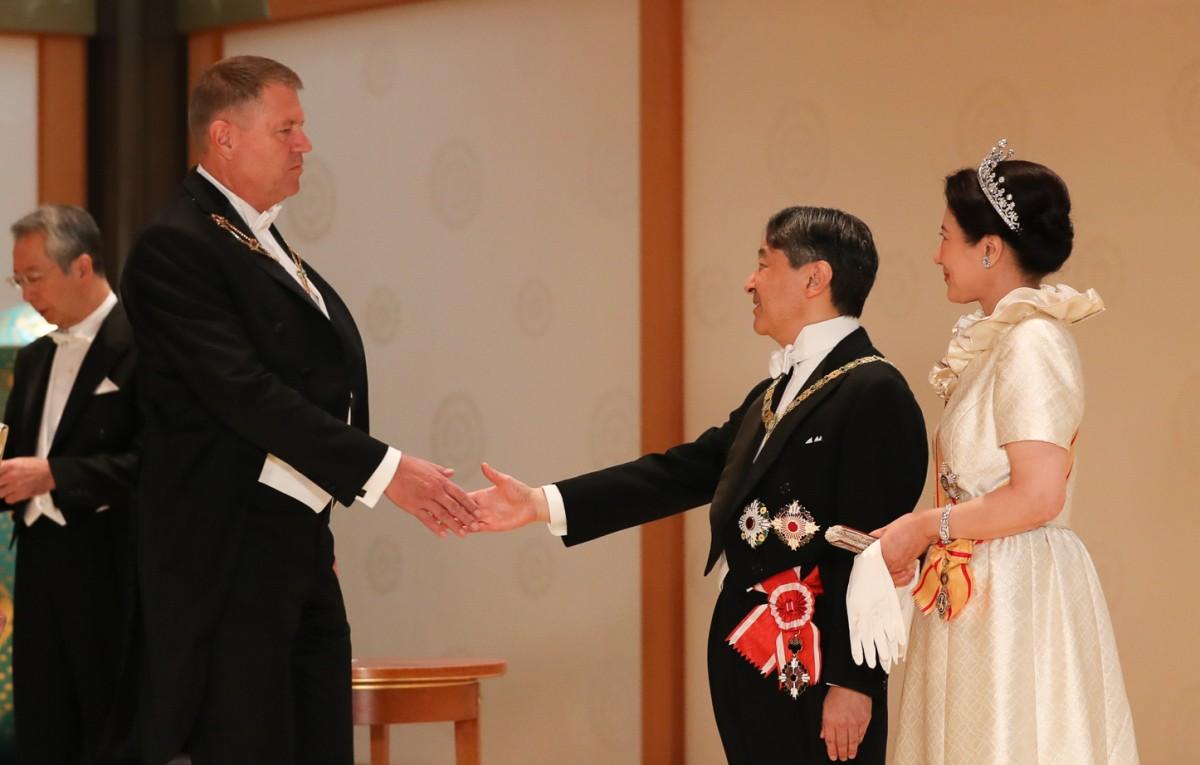 Prim-ministrul Japoniei a lăudat Sibiul în discuția cu președintele Klaus Iohannis
