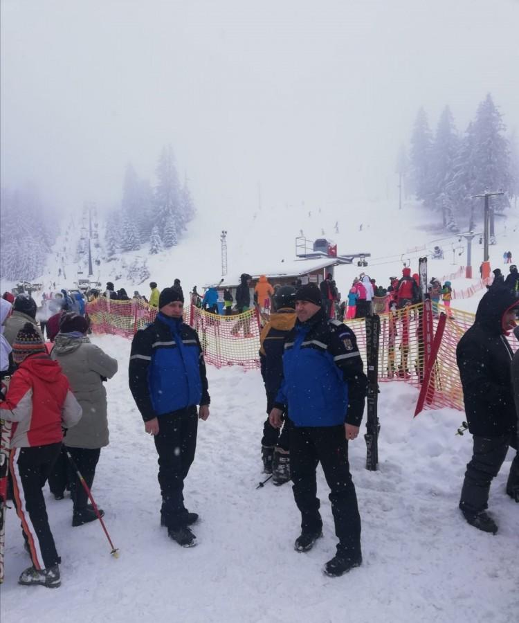 Jandarmii Montani din Păltiniș și Bâlea sunt prezenți pe pârtie pentru siguranța turiștilor