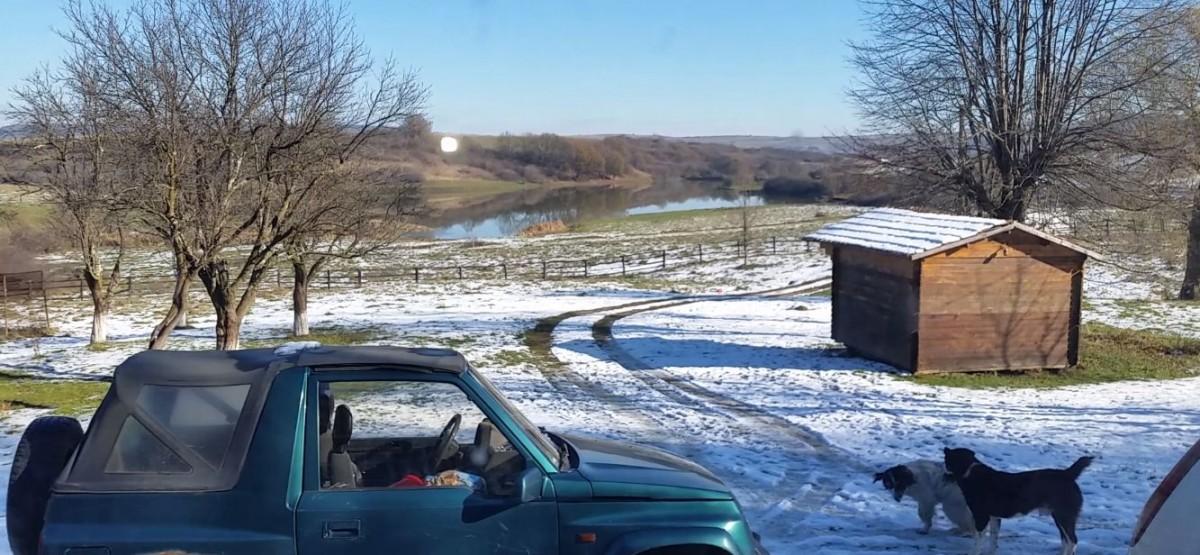 FOTO-VIDEO Construite cu lopata de sibieni, lacurile de la Șopa au ajuns spații pentru chefurile șefilor din AJVPS