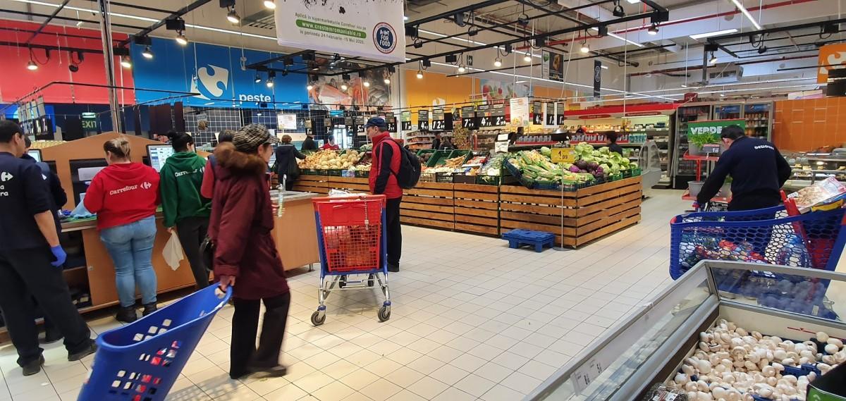 ANPC: Supermarketurile au stocuri de alimente de bază și deproduse dezinfectante, deși cererea este mare
