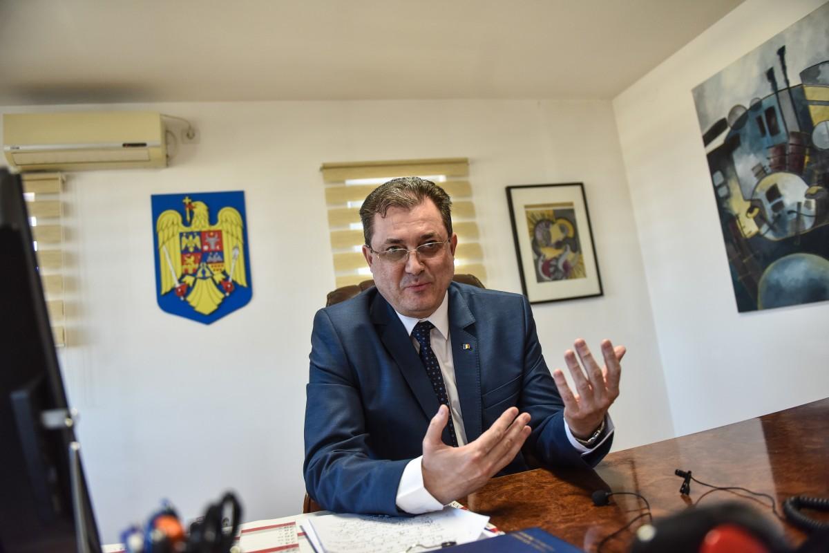 """Interviu cu șeful IȘJ Sibiu, despre modernizarea învățământului: """"Totul se învârte în România în jurul politicului"""""""