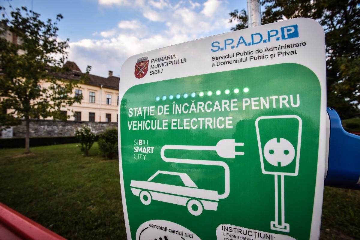 Achiziţionarea de automobile electrice ar putea fi permisă prin programul Prima Maşină pentru cei care deţin deja autovehicule