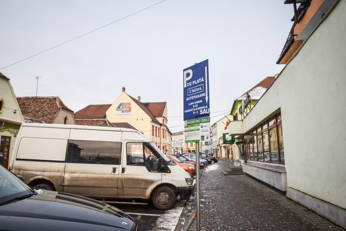 1% din bugetul Sibiului este adus din banii pe parcări. Construcția altora noi întârzie