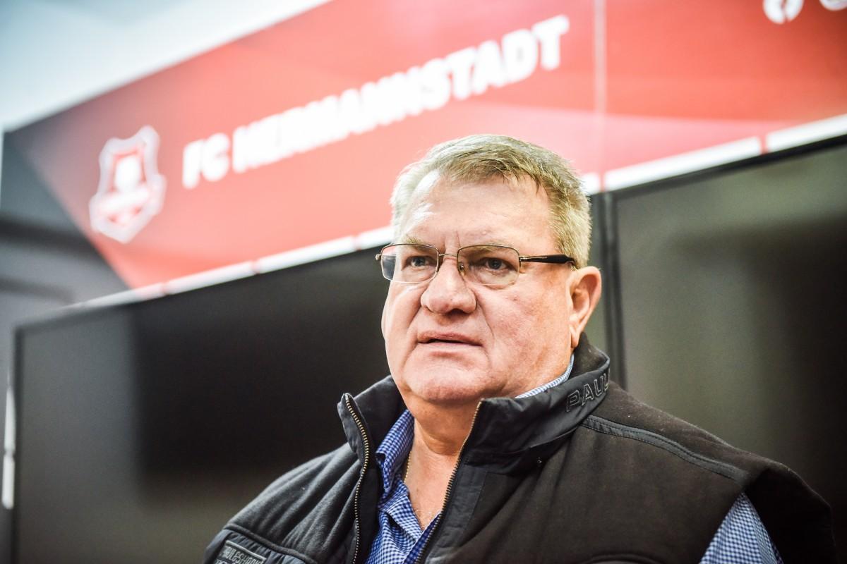 Jucătorii de la FC Hermannstadt au salarii ce totalizează peste 100.000 de euro pe lună. Uneori întârzie plata și trei luni