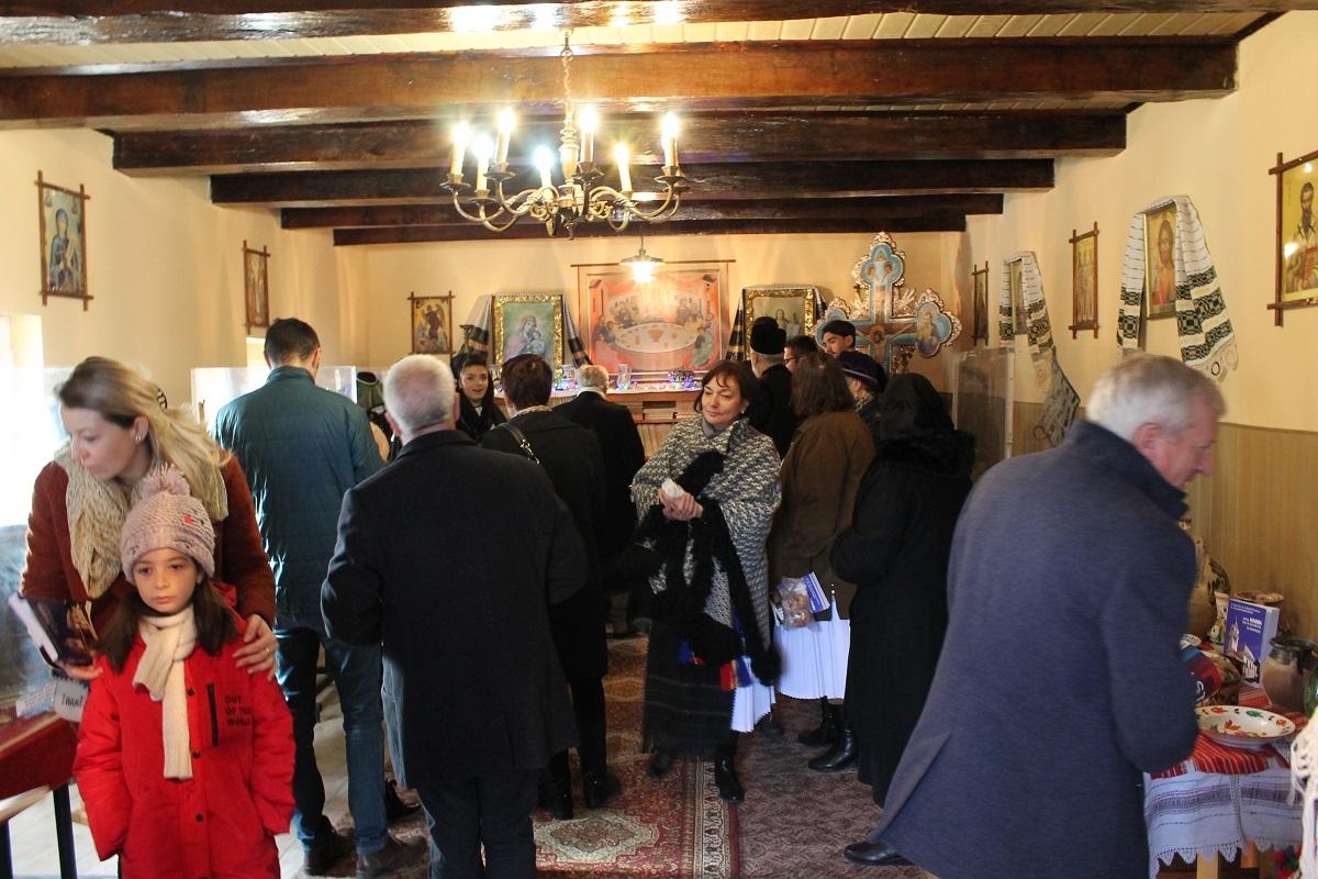 Obiecte inedite adunate într-un nou muzeu din județul Sibiu - inaugurat de un preot