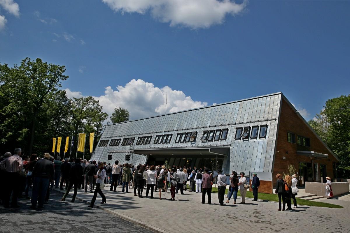 Galeriile de Artă Populară din PaMM - Muzeul Astra sunt închise pentru inventar (CP)