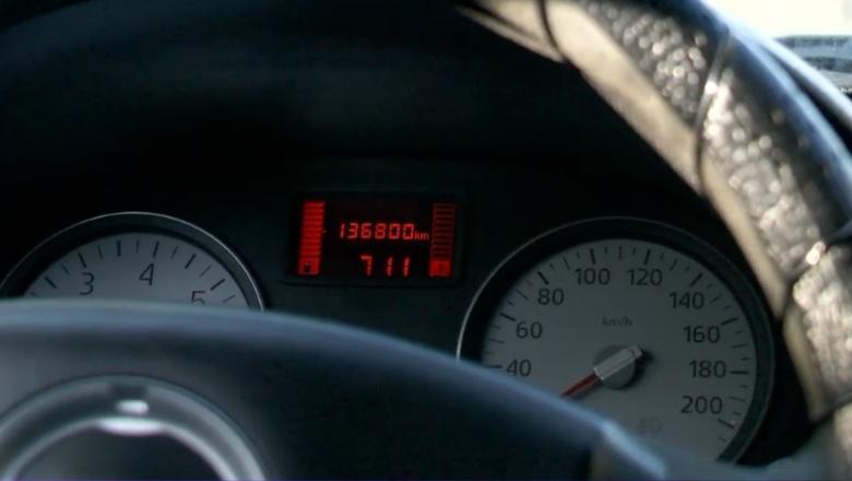 A cumpărat o mașină cu 660.000 de km la bord, dați înapoi la 130.000