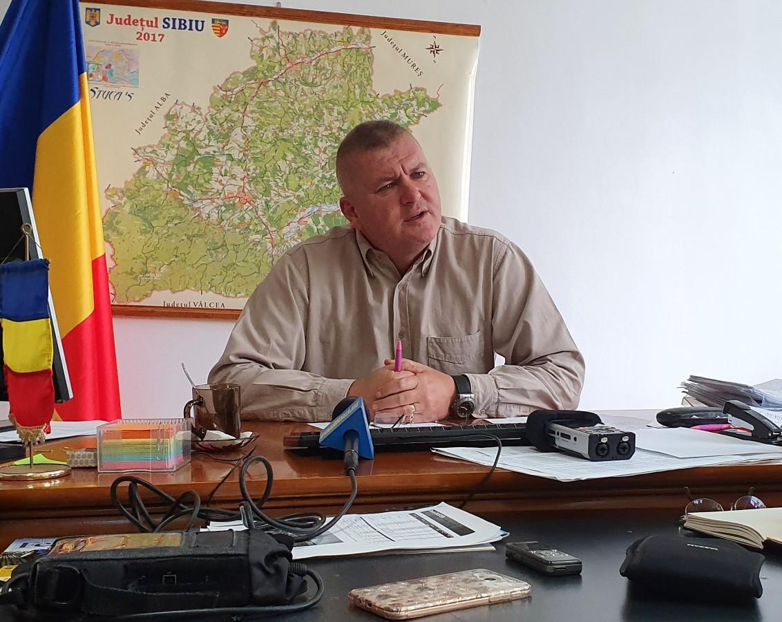 """""""Noul"""" director al Direcției Agricole: ministerul deschide în centrul orașului un magazin cu brânză de Sibiu"""