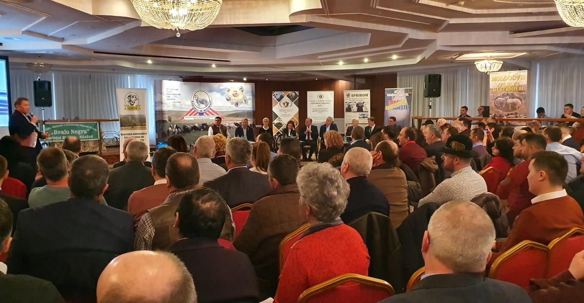 """Întâlnire a ciobanilor profesioniști din toată țara: """"să îmbunătățim lâna oilor noastre în patria oieritului, la Sibiu"""""""