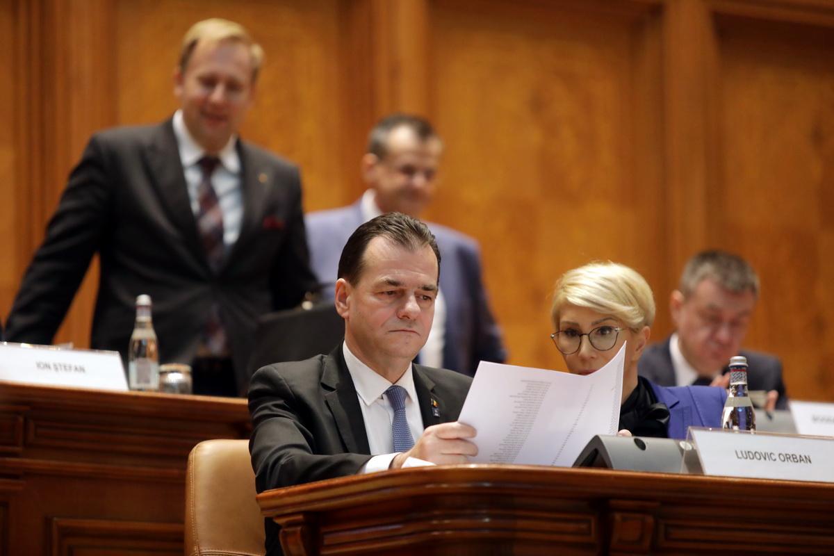 Guvernul Orban, demis după 3 luni și o zi