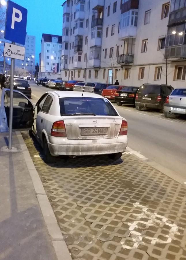"""Cum își respectă Primăria Sibiu cetățenii? """"Lupt pentru ca fiul meu să nu ajungă asistat social!"""""""