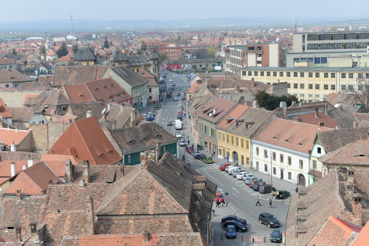 Extinderea parcărilor cu plată din Sibiu, supusă votului: pentru încurajarea mersului cu bicicleta sau autobuzul