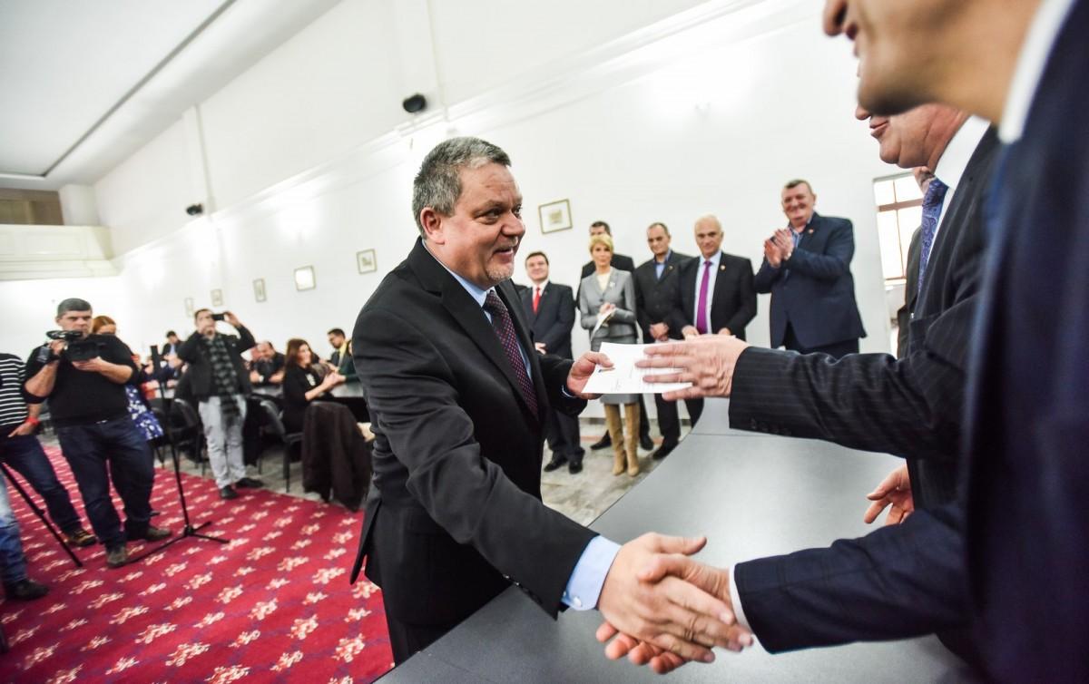 """Senatorul Mircea Cazan: """"M-am autoizolat la domiciliu, aștept echipa DSP"""""""