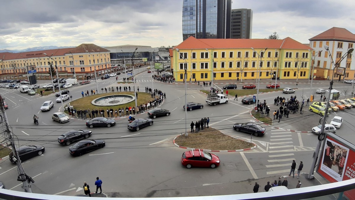 VIDEO FOTO #șîeu S-a oprit Sibiul în loc pentru a cere autostrăzi