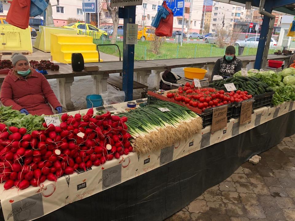 """Prețurile din piețele Sibiului, disponibile online. """"Vrem să știe oamenii ce găsesc și cât costă, să-i ajutăm"""""""