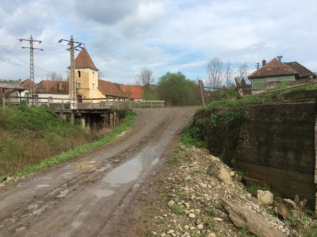 Comunitatea din Săsăuș se întâlnește pentru a salva patrimoniul local