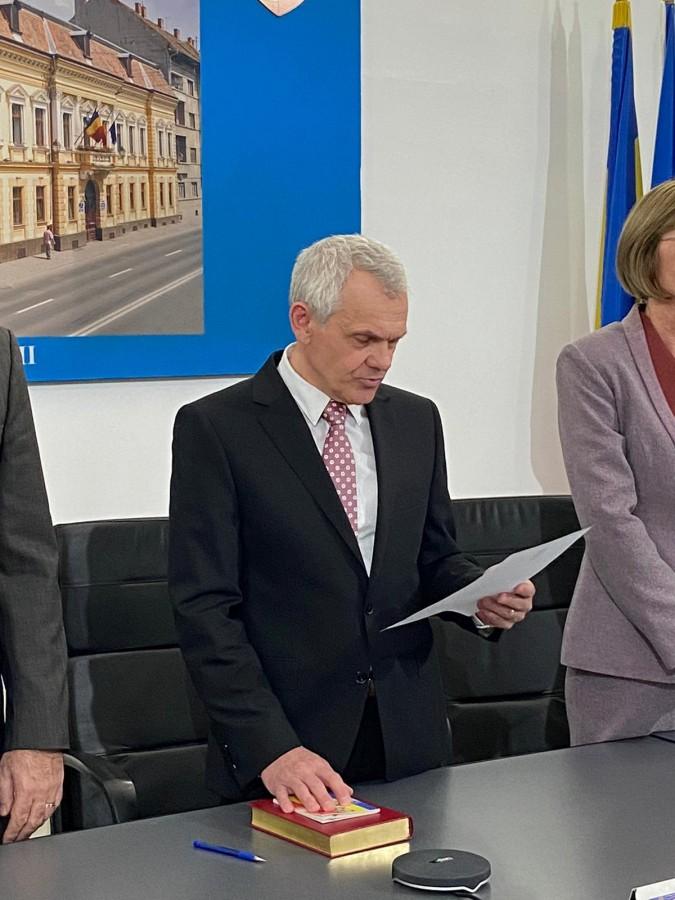 """Prefectul către ALDE: ne confruntăm cu o situație fără precedent, însă nu avem nici un motiv să considerăm că există o """"situație de criză medicală, la nivelul județului Sibiu"""""""
