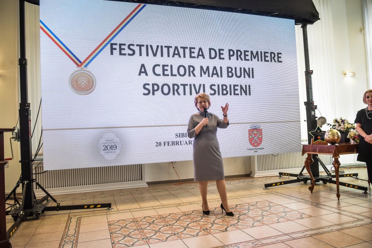 """Astrid Fodor, primarul Sibiului: """"Continuăm investițiile în sport și anul acesta"""""""