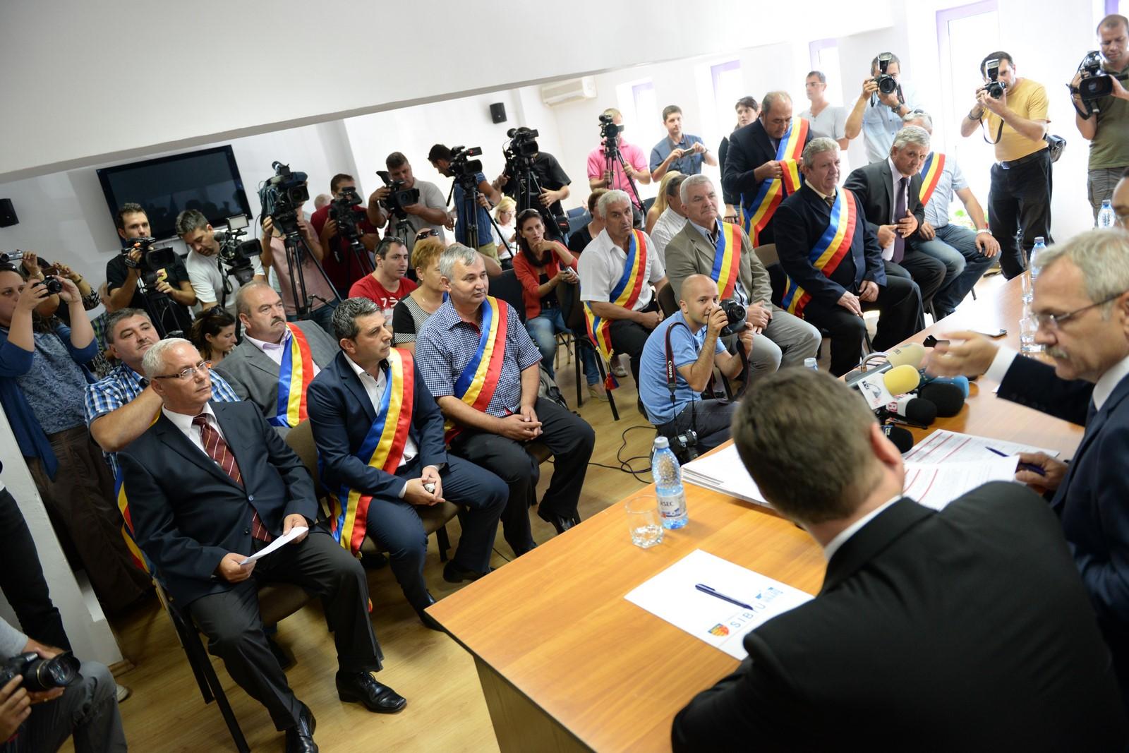 """O temă falsă? 78,13% din primarii sibieni au fost aleși din primul tur. Iohannis, în 2011: """"Pe mine nu mă afectează"""""""