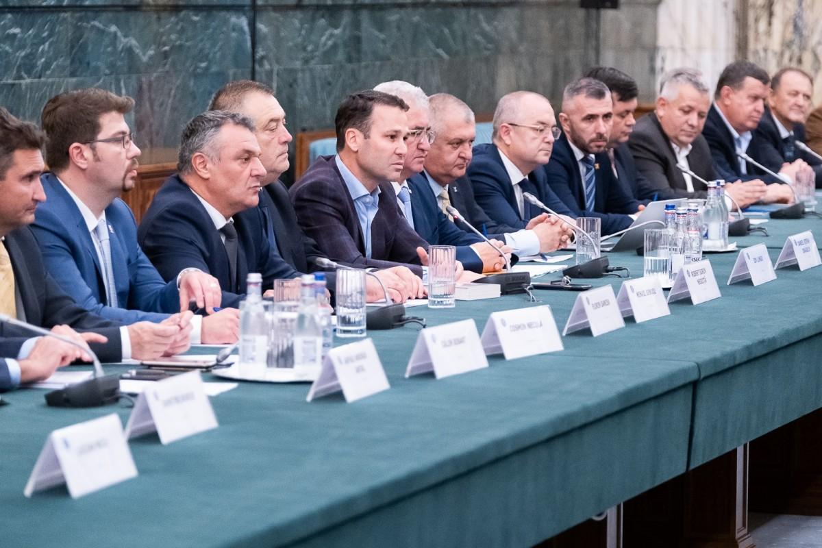 """Primarii de municipii i-autransmis lui Orban că bugetele locale au scăzut drastic. """"Nu putem să convenim asupra tuturor doleanţelor, dar vom încerca"""""""