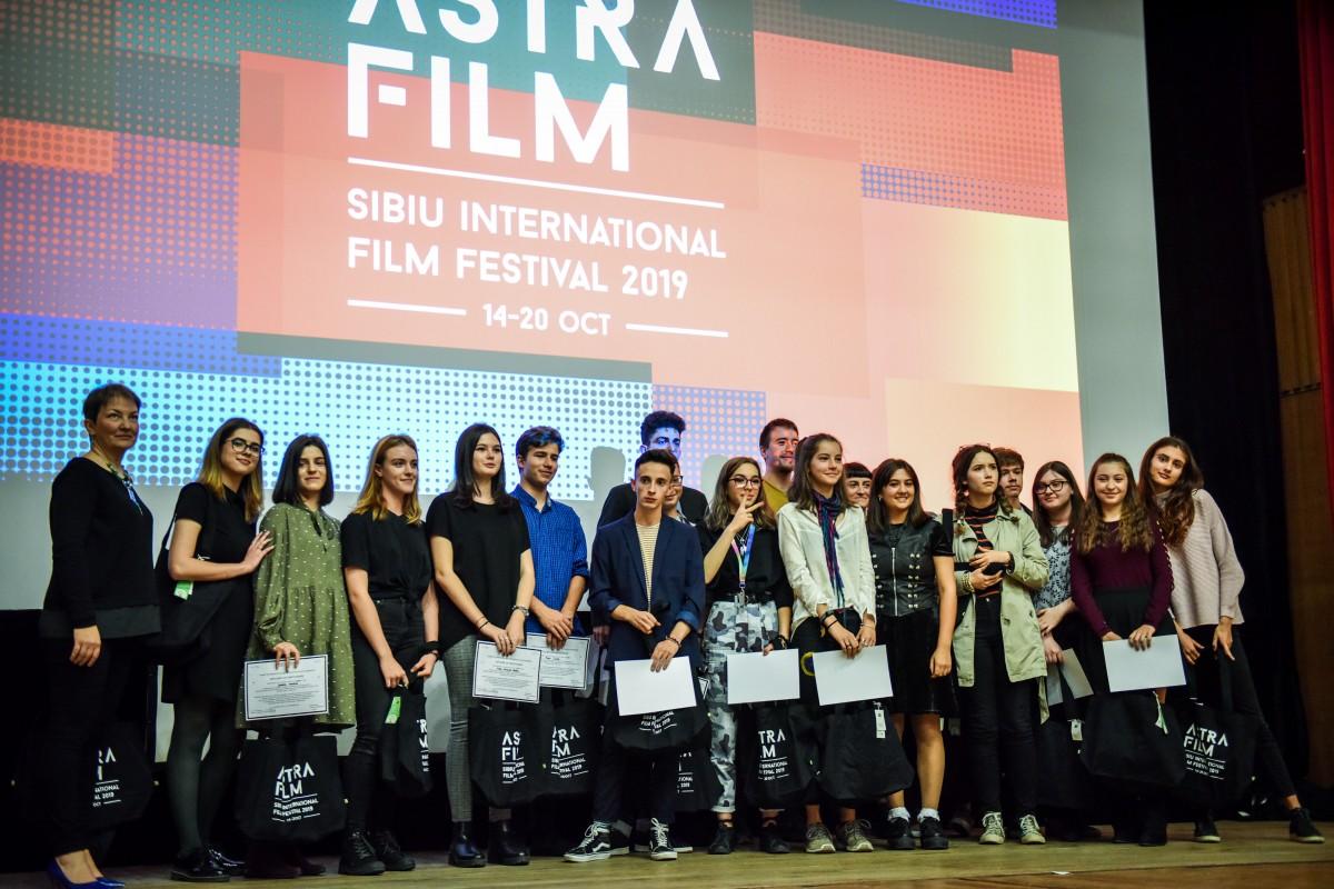 Primul film documentar pentru liceeni: 18 adolescenți au realizat 13 filme documentare