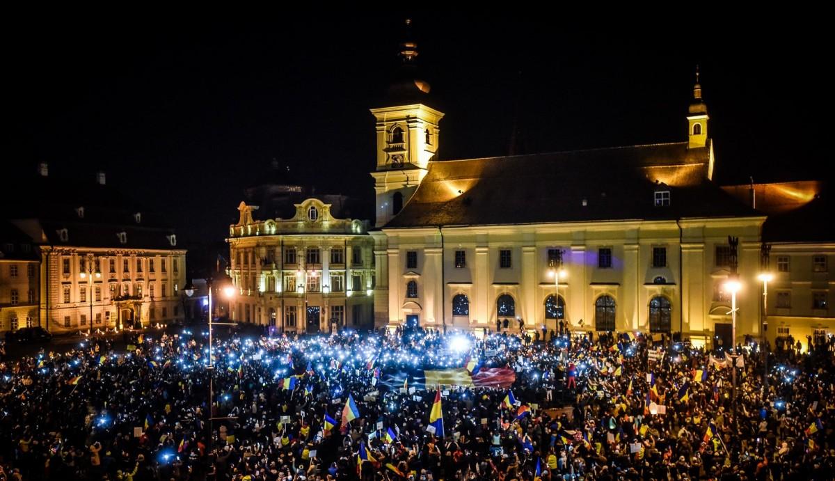 2017 a fost pentru Sibiu anul #rezist. Cele mai mari proteste din ultimii 27 de ani |Foto Video