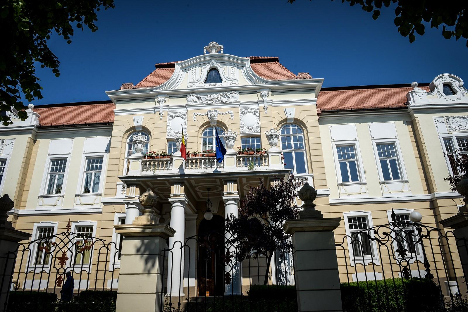 Alegeri în ULBS.Sorin Radu și Livia Ilie merg în finală