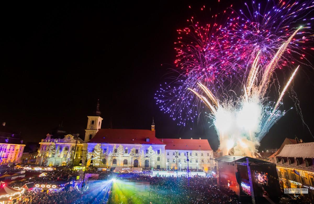 Revelion cu muzică românească în Piața Mare, de la noi și de peste Prut