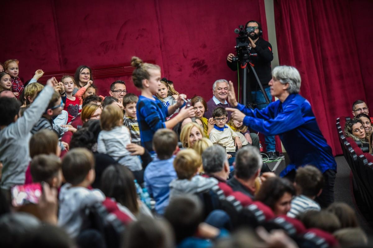 """S-au pus în vânzare biletele pentru concertul """"Copiii iubesc muzica clasică"""". Un concert educativ susținut de Johann Strauss Ensemble"""