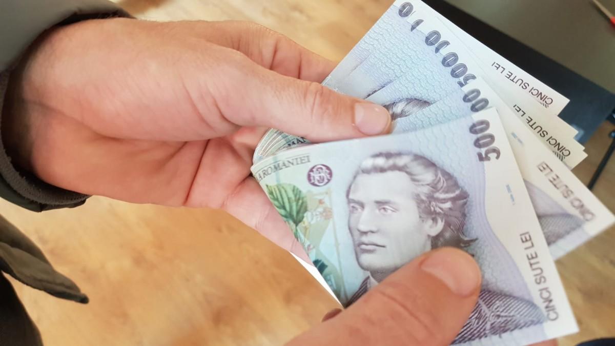 Fost procuror, arestat după ce a plasat bani falși, inclusiv în Sibiu