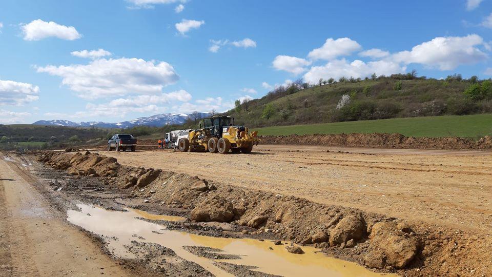 CNAIR a semnat contractul pentru încă 30 de km din autostrada Sibiu-Pitești