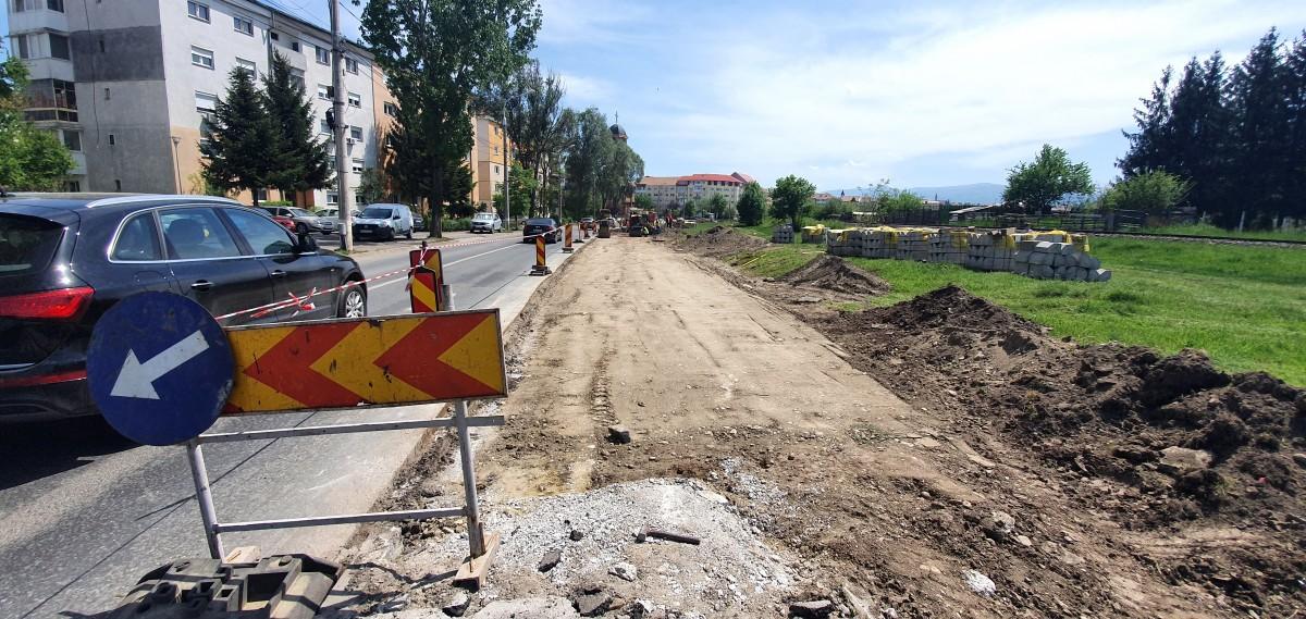 """Au început lucrările de amenajare a primului """"coridor de deplasare cu bicicleta"""" din Sibiu"""