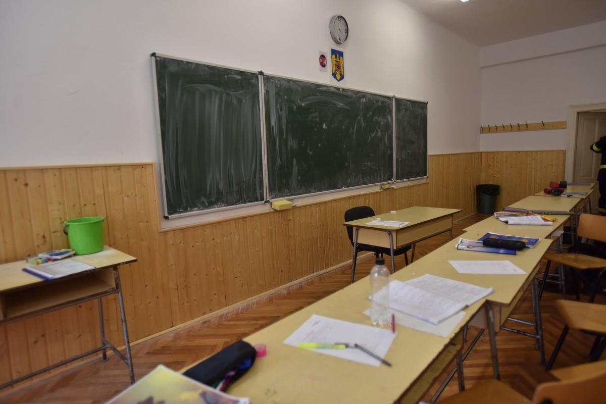 Cursuri suspendate la două clase ale Școlii 25, din cauza gripei