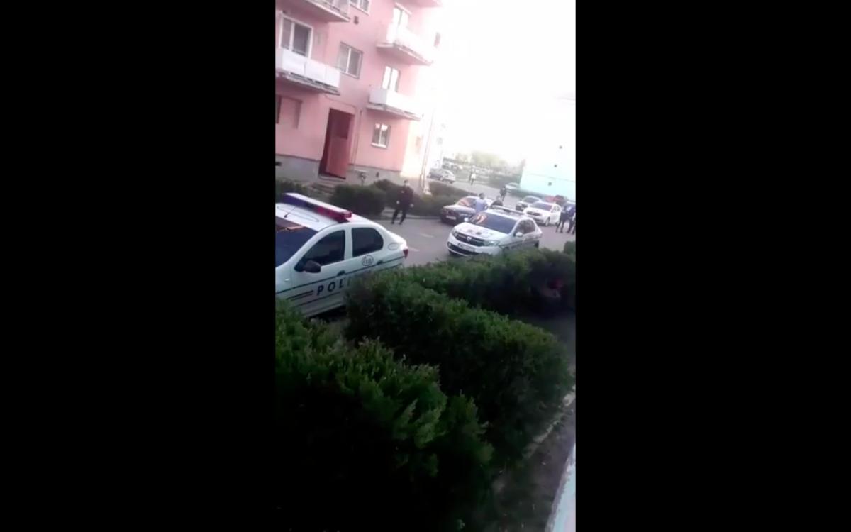 Scandal în stradă, la Copșa Mică, cu 9 persoane implicate. Poliția a trimis trupele speciale