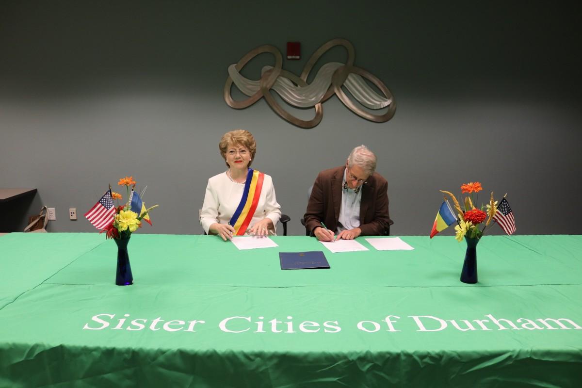 Sibiul s-a înfrățit oficial cu orașul Durham din Statele Unite