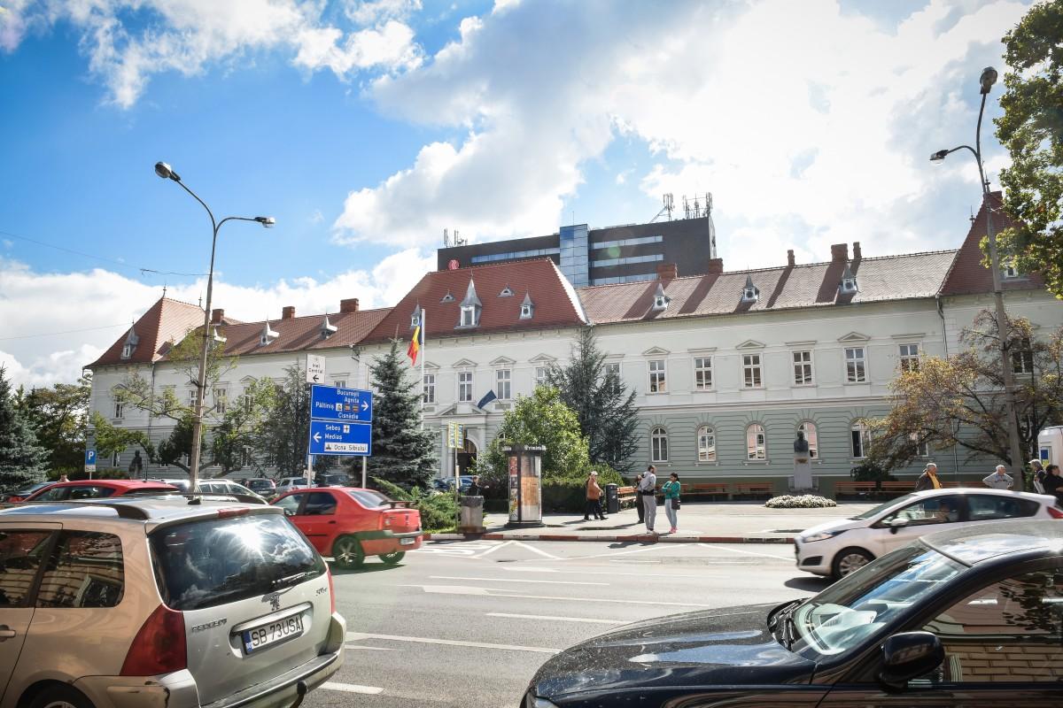Serviciul de Evidență a Persoanei din cadrul Primăriei Sibiuîși suspendă activitatea de luni, 27 aprilie