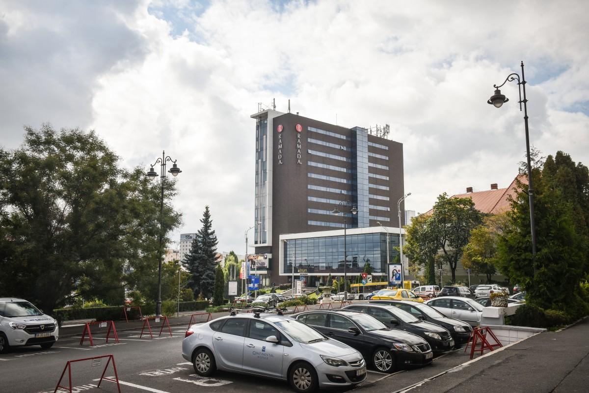 Hotelul Ramada Sibiu: 2.000 de măști de protecție donate Direcției de Asistență Socială