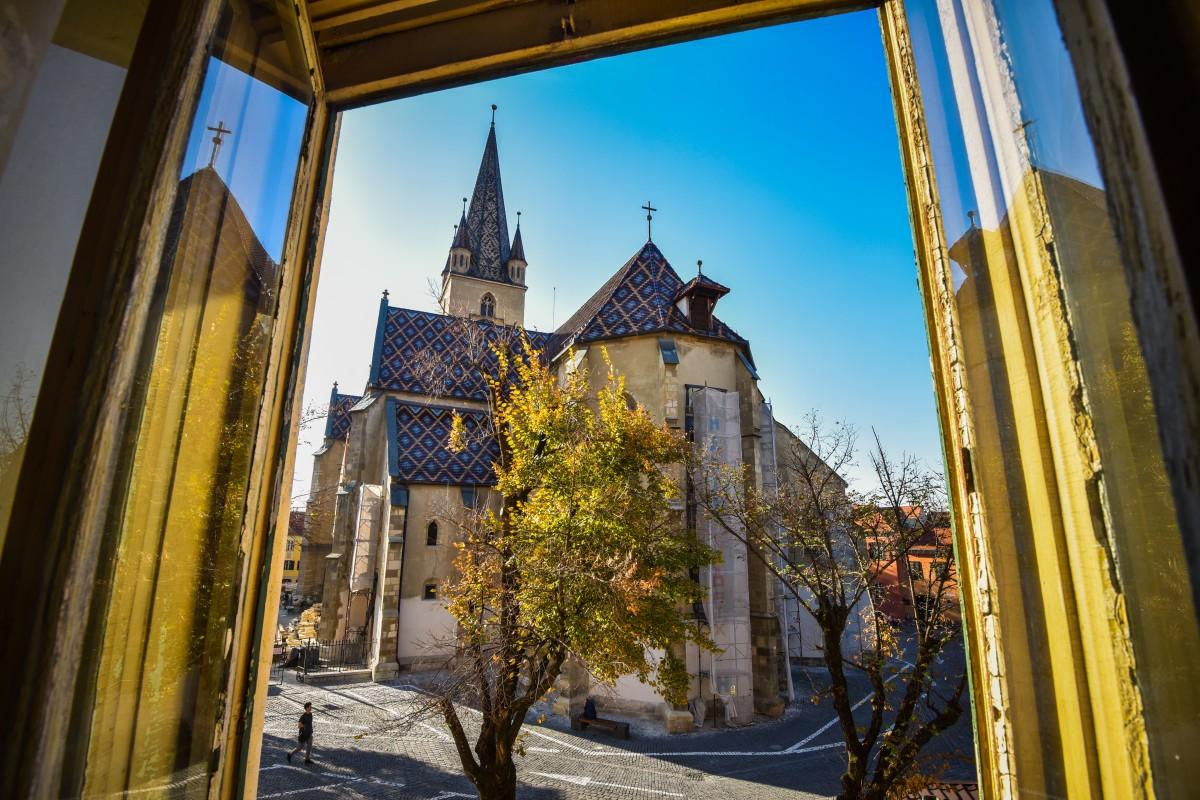 Sibiul și Brașovul sunt județele preferate de turiști, în regiunea centru