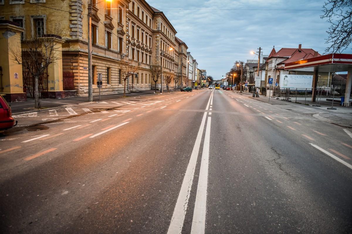 """Foto și video. Sibiul, în prima zi de circulație interzisă. """"Mișcarea e tot mai slabă"""""""