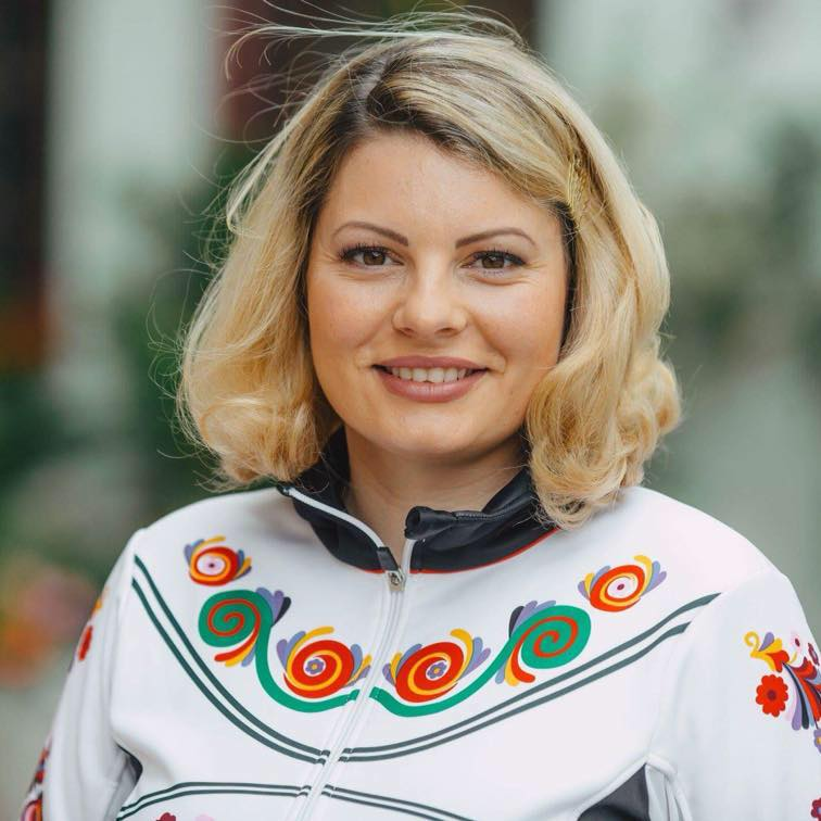 """TSTV, Smaranda Bălan, inițiatoarea mișcării """"Vă ajutăm din Sibiu"""". De la un om, la 7.000"""