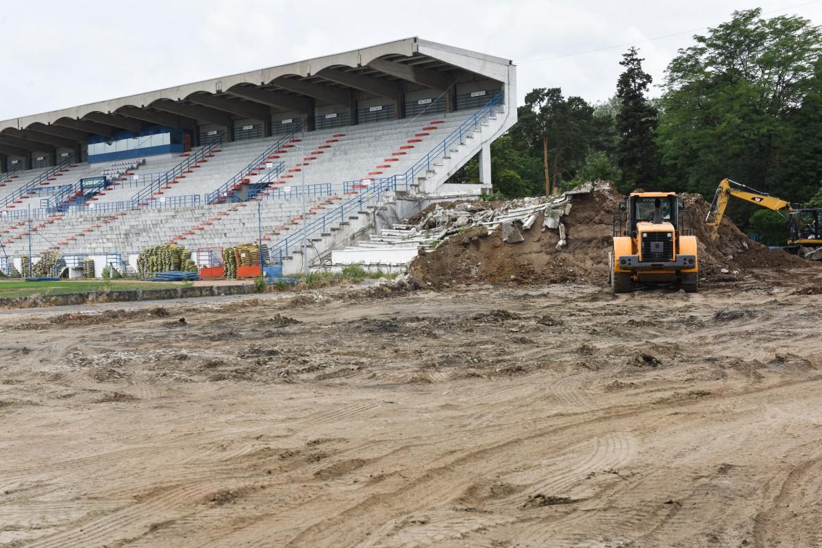 Noul termen de finalizare a stadionului este 15 martie. Cum s-a ajuns la aceste întârzieri?