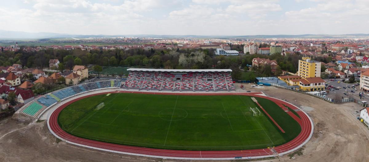 Epopeea stadionului municipal, etapa gazonului: să nu fie contestații și să țină vremea