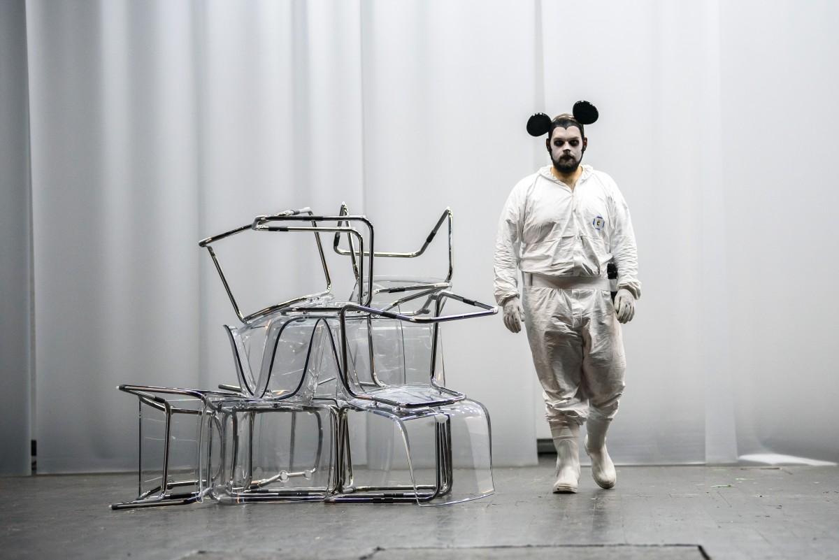 Ștefan Tunsoiu, unul dintre cei mai talentați actori ai generației tinere din Sibiu, împlinește 26 de ani