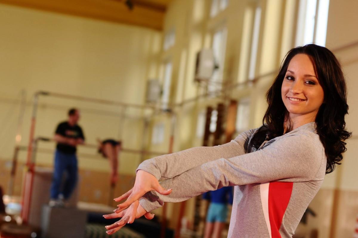 O fostă gimnastă de talie mondială va preda la școala din Rășinari. Primar:Sperăm să-i fie bine în localitatea noastră