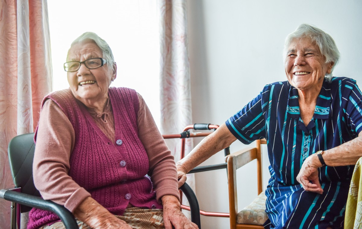Două sibience au fost împreună în tinerețe într-un lagăr din Rusia. S-auregăsit după 70 de ani