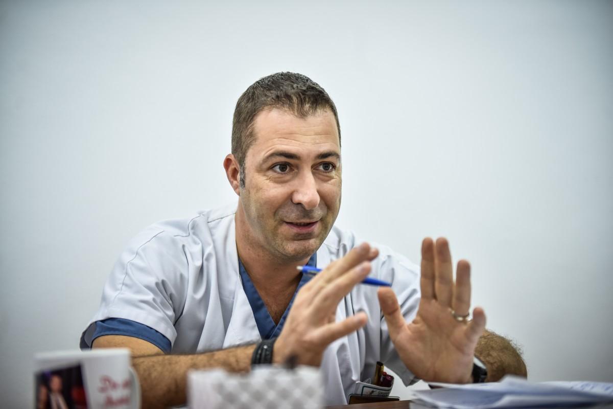 """Interviu cu chirurgul sibian Ciprian Tănăsescu: """"Suntem la nivel mediu"""""""